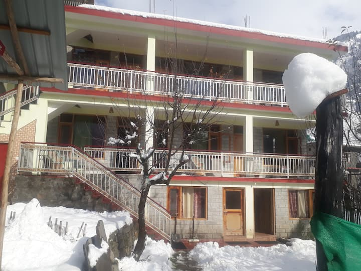 Manali Club Home Stay/Guest House Old Manali HP