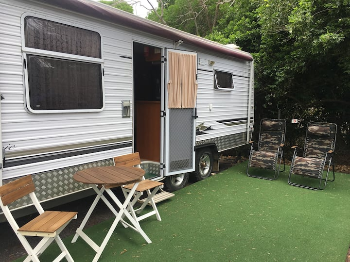 Cooktown self contained luxury caravan.