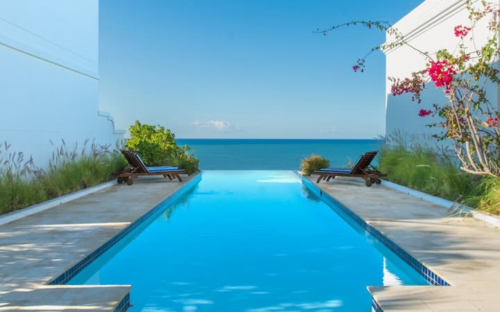 Villa Estrella | Private plunge pool and direct beach access