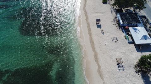 Beachfront Rental Beach Hut