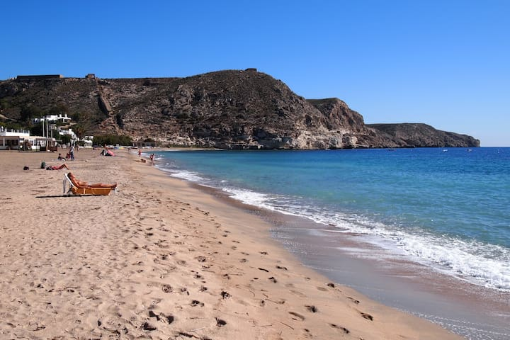 Beautiful Beach House, Agua Amarga - Agua Amarga - Casa