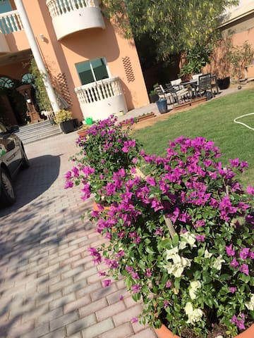 Room with private washroom in villa updated - Dubai - Haus