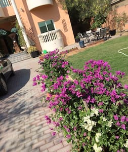 Room with private washroom in villa updated - Dubai