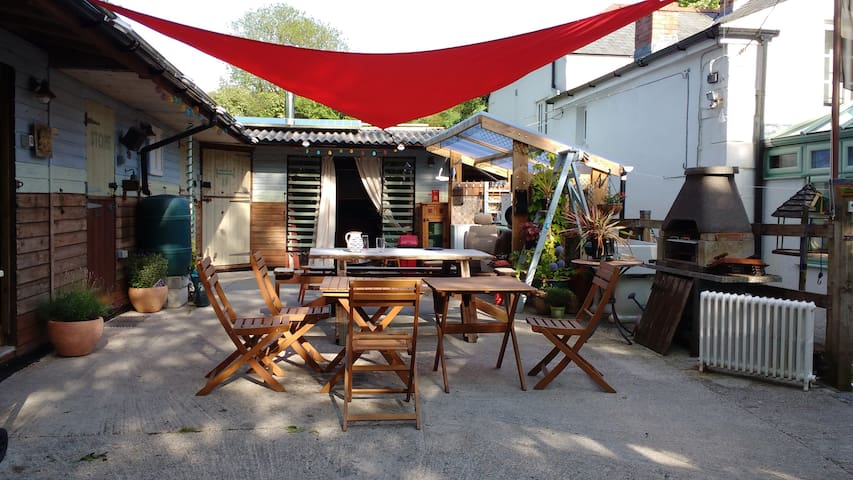 Quirky boutique hostel close to the Eden Project - Cornwall - Sovesal