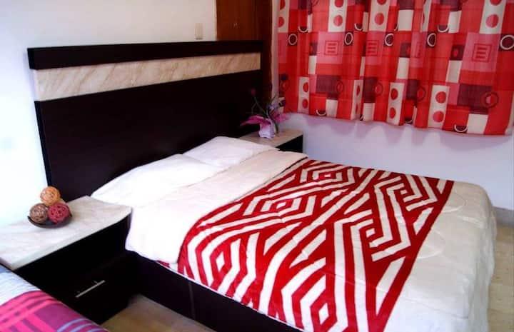 Habitacion privada rojo con baño privado