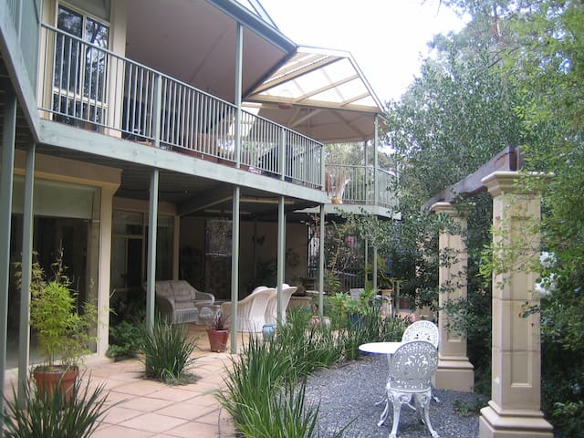 The Gallery Bed and Breakfast - Blackwood - Penzion (B&B)