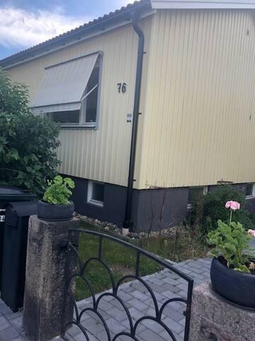 Charmig villa i Enskede 15 minuter från city