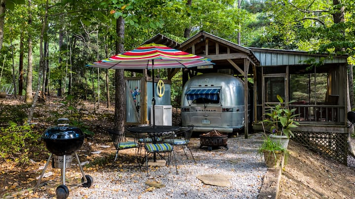 ToNoMo, vintage Airstream trailer, Smith Lake B&B