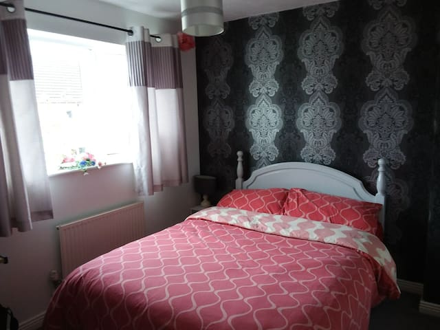 Double room rented out as single only
