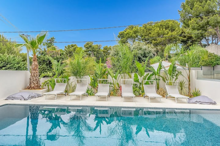 Giovannina n°2, piscine chauffée, 800m du port
