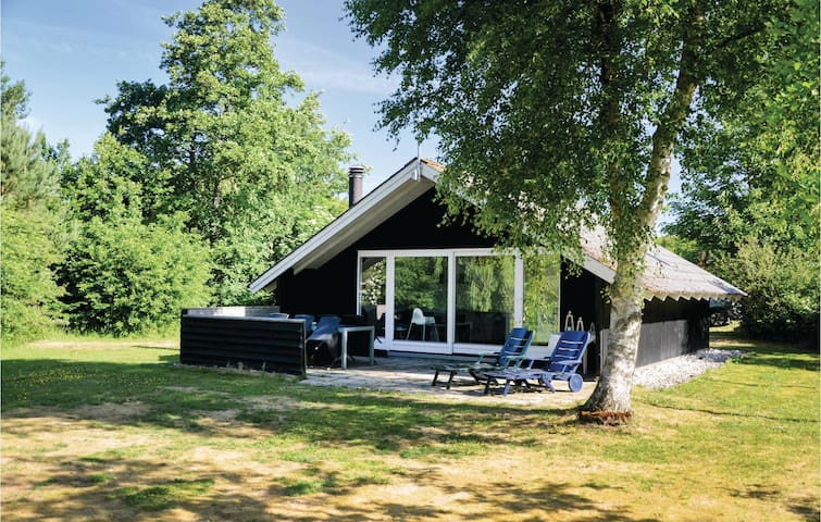Holiday cottage with 2 bedrooms on 51m² in Hemmet