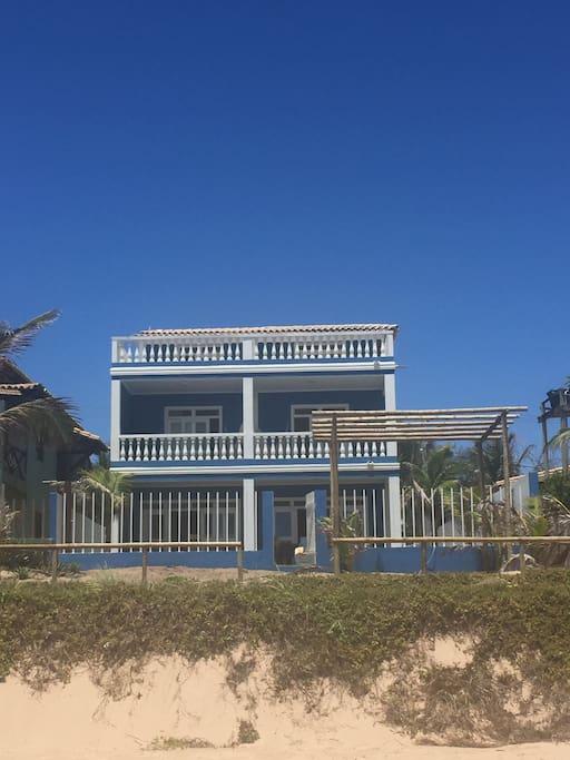 villa vista dalla spiaggia