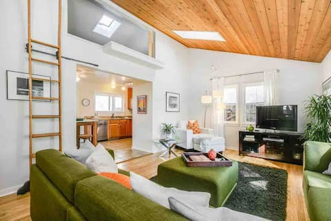 Ojai Cottage Downtown Gem with Premium Location
