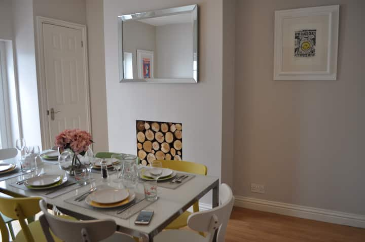 Spacious Victorian 3 bed house with large garden