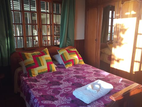 Tahiti Private air-conditioned room and bathroom