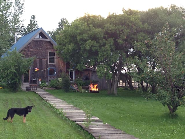 Cozy Cottage-Home near Boissevain - Boissevain - Cottage