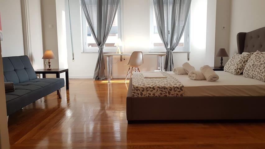 Ionian Room 2