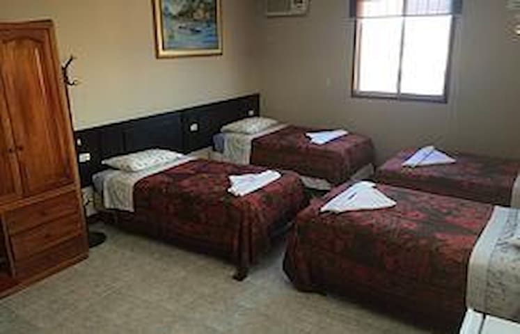 Hostal los Algarrobos -Shared Room