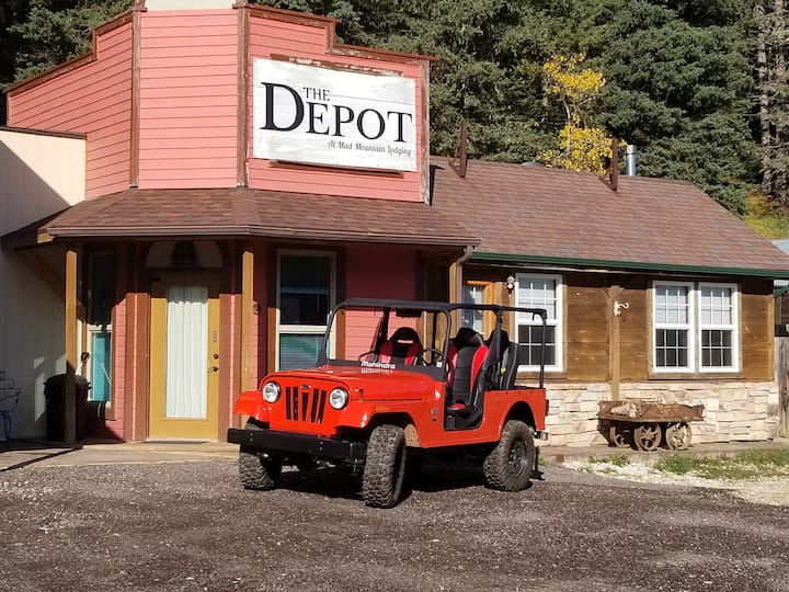 The Depot at Mad Peak Lodging