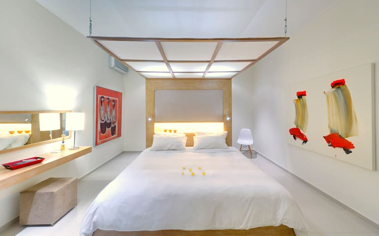 main house - one of the 3 master bedrooms
