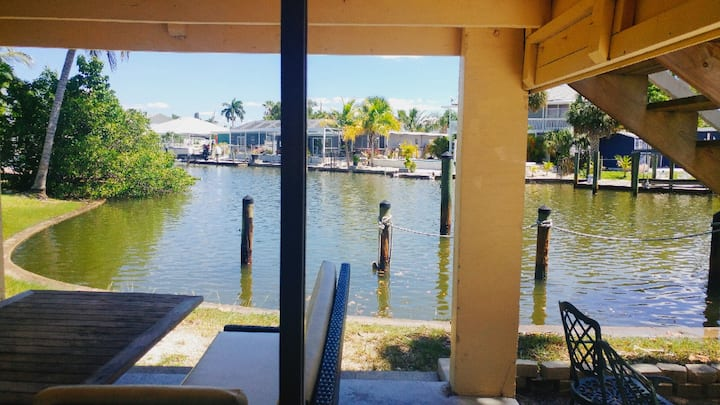 Bayside Suites is located on sunny FMB. Bayside offers lush surroundings and gorgeous bay views.