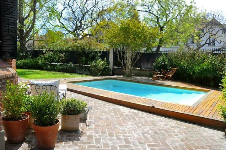 British 4 BR  House w/Private Pool + Parrilla