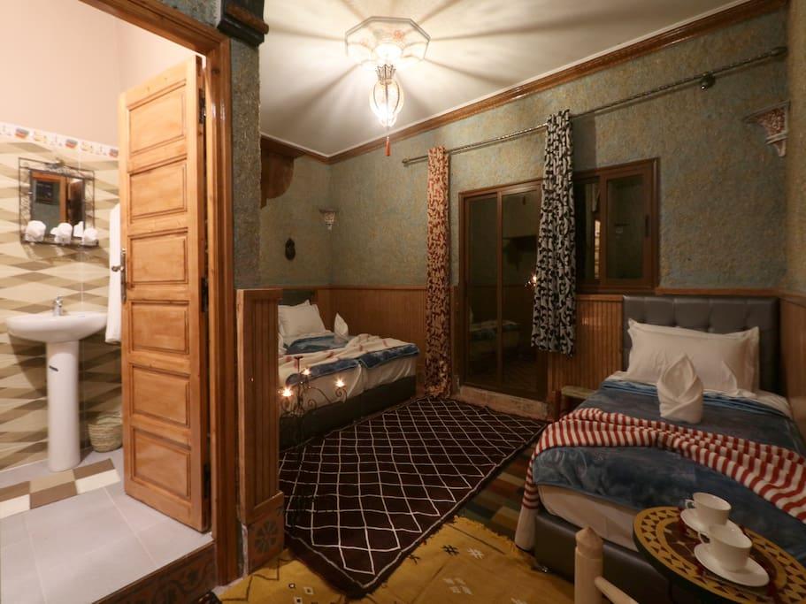 Akswal room