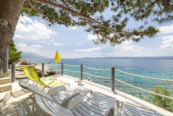 Apar MARIJA private access to beach