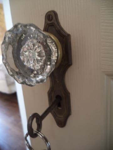 Glass door knobs & skeleton key