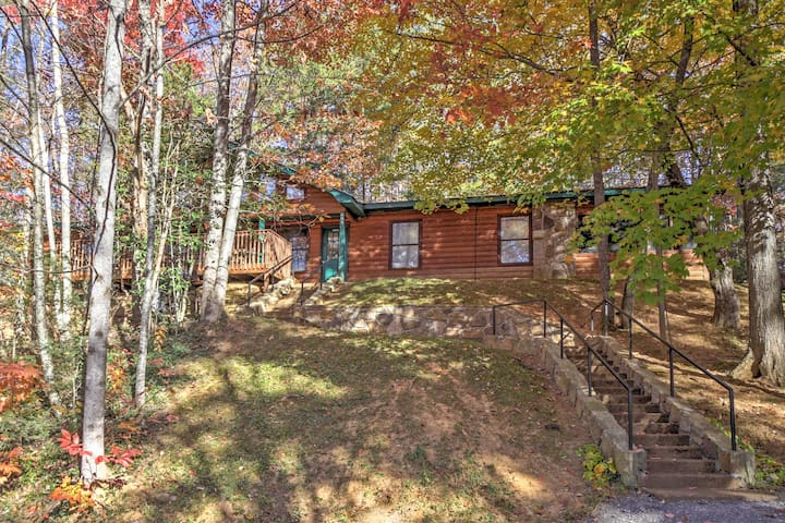 4BR 'Great Smoky Mountain Getaway' Cabin - Gatlinburg - Hytte