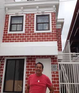 My Little Dutch House B&B w/5Rooms - Naga - 住宿加早餐