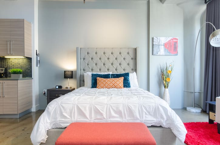 Fully Furnished Loft in Downtown Los Angeles