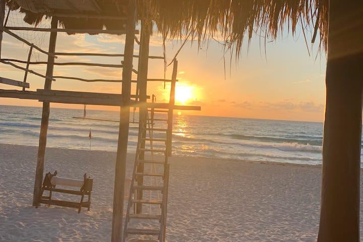Beach Front Resort - Best Value in the Strip