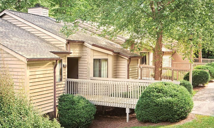 Spacious 2BR Sapphire Valley!