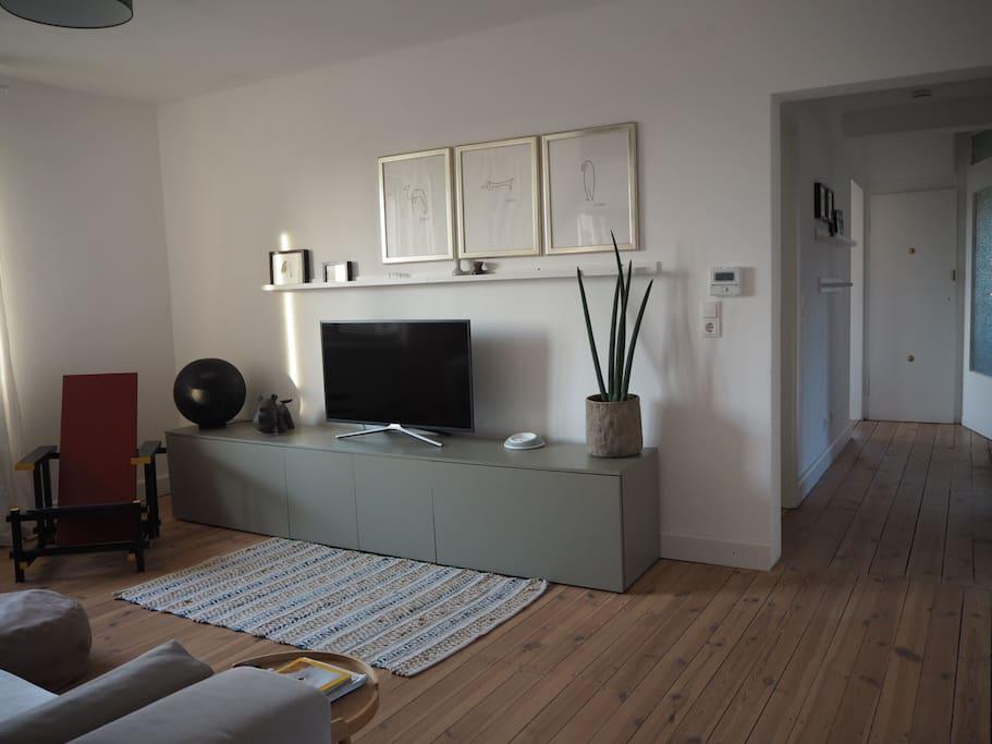 freundliche 3 zimmer wohnung mit k che und bad wohnungen. Black Bedroom Furniture Sets. Home Design Ideas