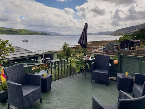 No 15 Loch View terraced cottage with Hot Tub