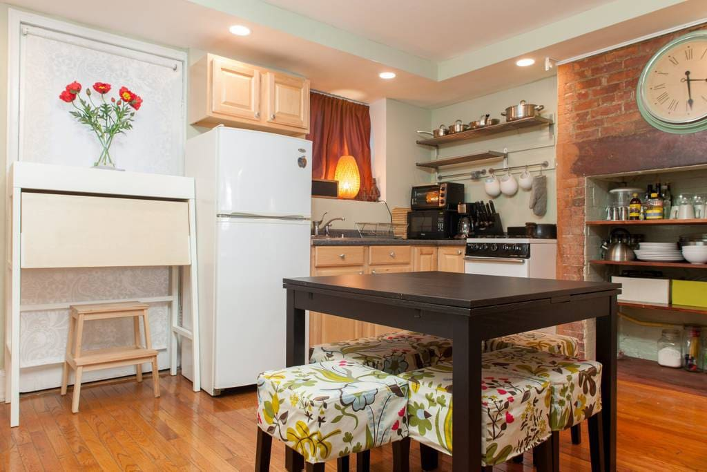 Accommodates up to 9 guests