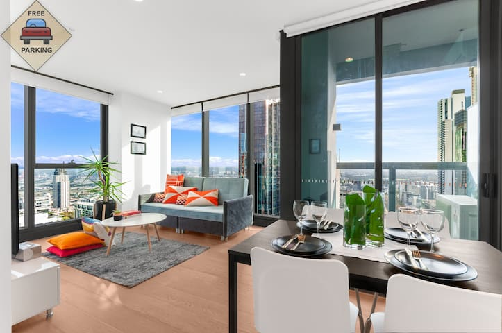 Central CBD Skyhigh View 2Bedder Free CarPark