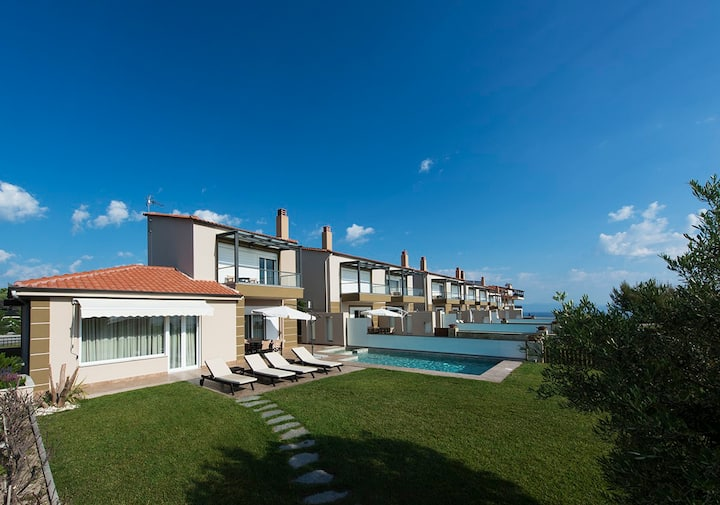 4 Bedroom villa offering luxury and comfort