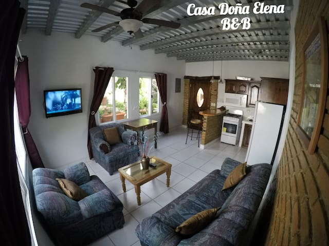 Casa Doña Elena - Suite/Apartment studio.