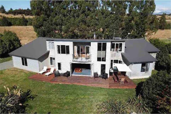 Fiordland Luxury Villa