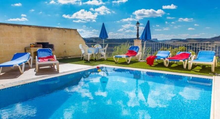 Four bedroom Villa Ta Danjela with Private Pool - Xaghra - Casa