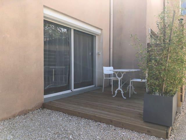 Appartement de 60 m2 dans une villa Provençale