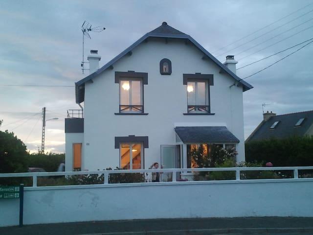 Maison bord de mer - Ploudalmézeau - House
