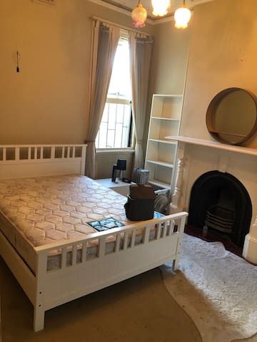 Heritage terrace house, Queen size furnished room