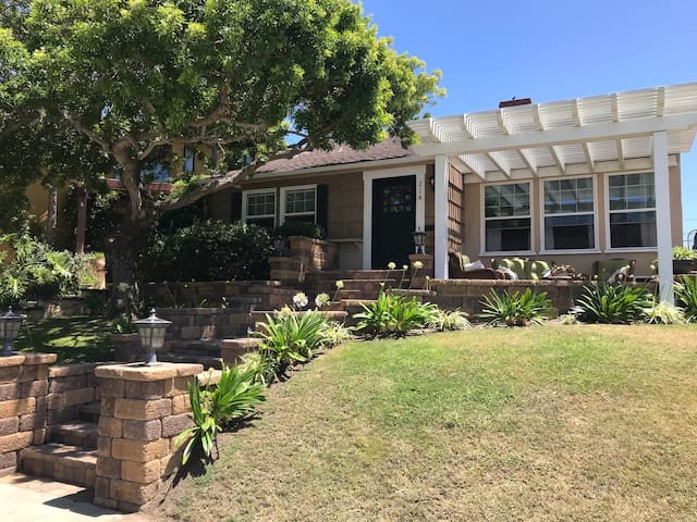 Beach cottage in Redondo Beach, CA for snowbirds