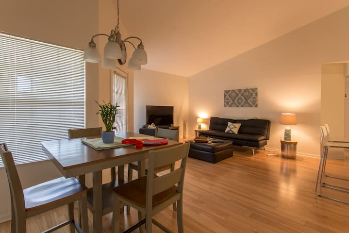 2 Bedroom Vacation Condo newly renovated - Clearwater - Apartment