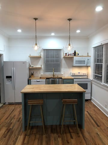 Newly renovated home , minutes from downtown
