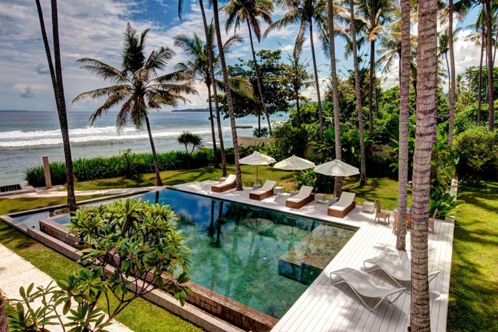 Beach-Front-Villa-Gita-Segara-Bali.jpg