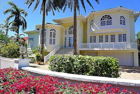Duck Key, FL Waterfront Mansion for Rent Marathon